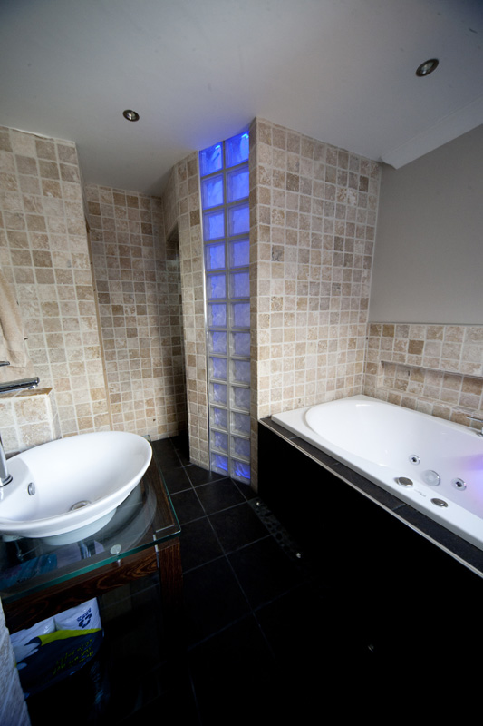 stones-bathrooms-0144